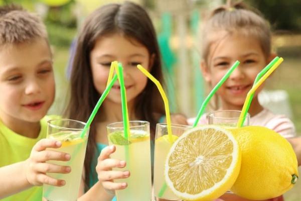Лимон, лимонад и дети