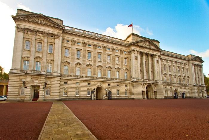 Букингемский дворец (Англия)
