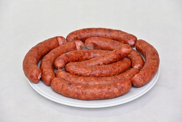 изысканные колбасные деликатесы