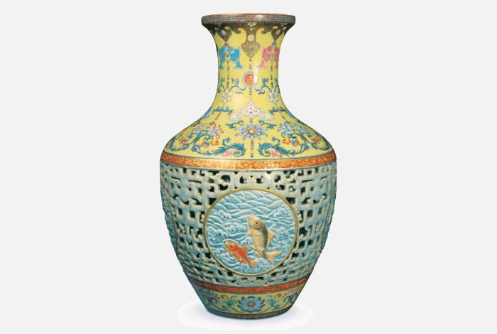 Уникальная ваза с рыбками эпохи императора Цяньлуна